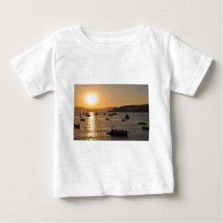 サンタのponsaの日没 ベビーTシャツ