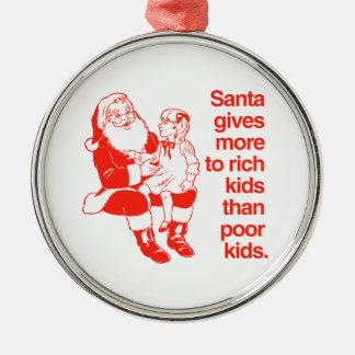 サンタは豊富な子供に多くを与えます シルバーカラー丸型オーナメント