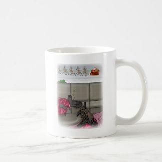 サンタを恋しく思っている睡眠犬 コーヒーマグカップ