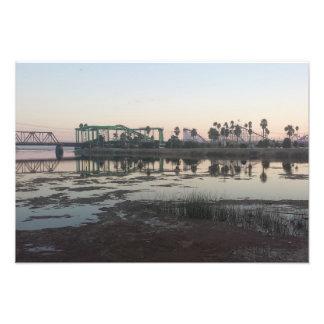 サンタクルスのビーチの遊歩道の日没 フォトプリント