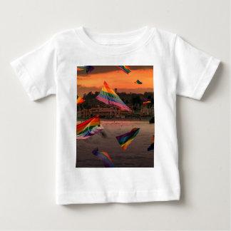 サンタクルス上の虹のプライド ベビーTシャツ