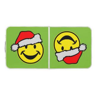 サンタクロースのスマイリーの黄色 + あなたのbackg。 及びアイディア ビアポンテーブル