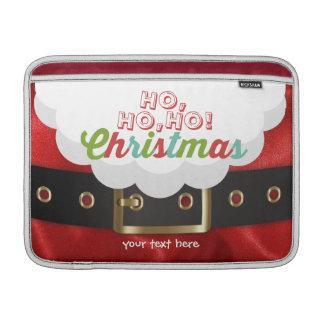 サンタクロースのスーツのHo Ho Hoクリスマスの明けましておめでとう MacBook スリーブ
