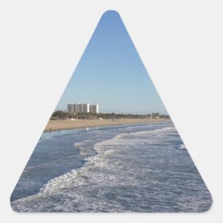 サンタモニカのカリフォルニアの海岸線 三角形シール