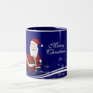 サンタ及び彼のそりのクリスマス ツートーンマグカップ