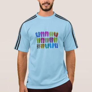 サンダルのカラフルなおもしろいのビーチのテーマの夏 Tシャツ