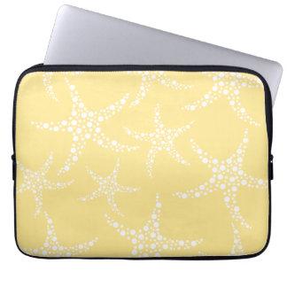 サンディの黄色および白いヒトデパターン ラップトップスリーブ
