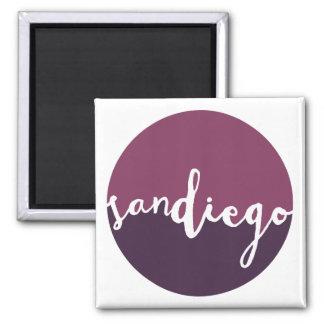 サンディエゴのカリフォルニア|の紫色のグラデーションな円 マグネット