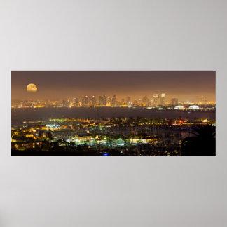 サンディエゴのスカイライン上のMoonrise ポスター