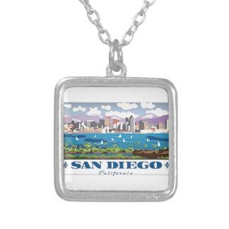 サンディエゴのスカイライン シルバープレートネックレス