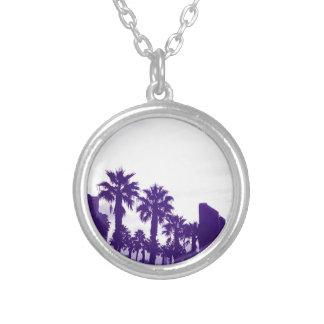 サンディエゴの紫色 シルバープレートネックレス