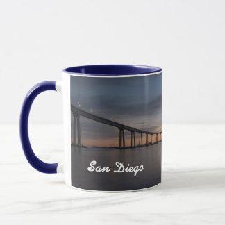 サンディエゴの美しいパノラマのコップ マグカップ
