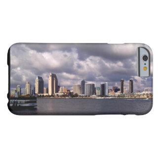 サンディエゴカリフォルニアのスカイライン及び嵐 BARELY THERE iPhone 6 ケース