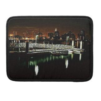 サンディエゴ夜スカイライン MacBook PROスリーブ