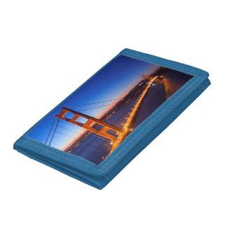 サンフランシスコおよびゴールデンゲートブリッジ上の夜明け