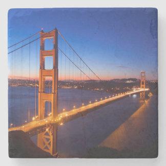 サンフランシスコおよびゴールデンゲートブリッジ上の夜明け ストーンコースター