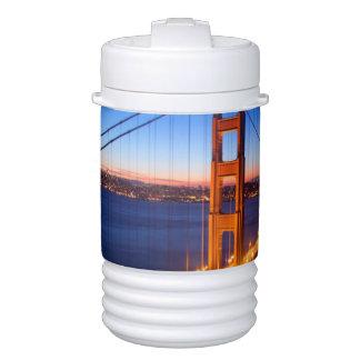 サンフランシスコおよびゴールデンゲートブリッジ上の夜明け ドリンククーラー