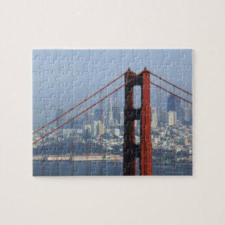 サンフランシスコによって見られるたらいのゴールデンゲートブリッジ ジグソーパズル