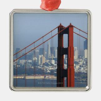 サンフランシスコによって見られるたらいのゴールデンゲートブリッジ メタルオーナメント