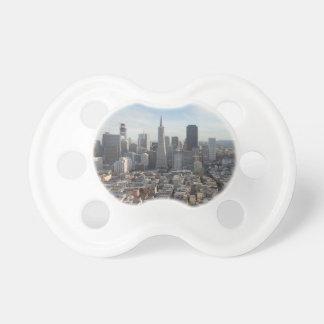 サンフランシスコのスカイラインのパノラマ おしゃぶり