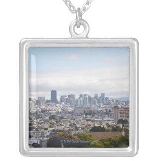 サンフランシスコのスカイラインの眺め シルバープレートネックレス