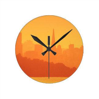 サンフランシスコの明るい日没 ラウンド壁時計