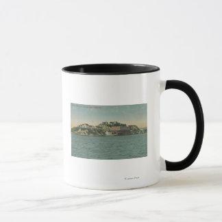 サンフランシスコのCAAlcatrazの島の刑務所の眺め マグカップ