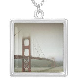 サンフランシスコ、カリフォルニア シルバープレートネックレス
