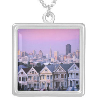 サンフランシスコ、カリフォルニア。 ビクトリア時代の人の眺め シルバープレートネックレス