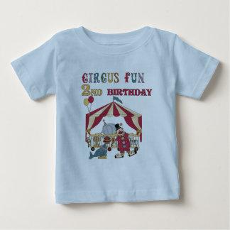 サーカスのおもしろいの第2誕生日のTシャツおよびギフト ベビーTシャツ