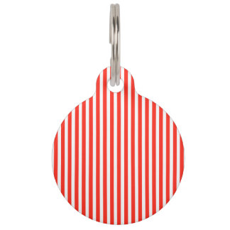サーカスの赤と白の小屋は縞で飾ります ペット ネームタグ