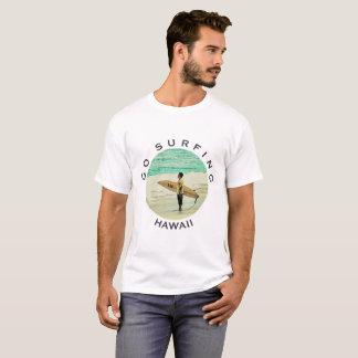 サーフすることを行って下さい Tシャツ