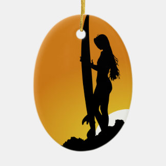 サーファーの女の子のシルエット 陶器製卵型オーナメント