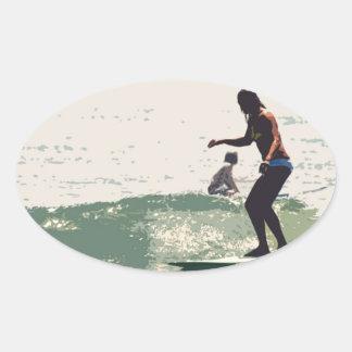 サーファーの女の子の石 楕円形シール