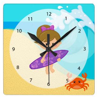 サーファーの女の子 スクエア壁時計