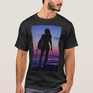 サーファーの女の子 Tシャツ