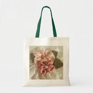 サーモンピンクおよびモモの花 トートバッグ