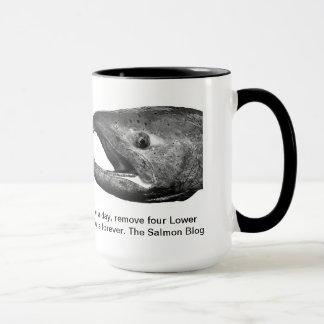サーモンピンクのブログの魚のマグ マグカップ