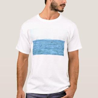 ザトウクジラの尾MACKAYクイーンズランドオーストラリア Tシャツ