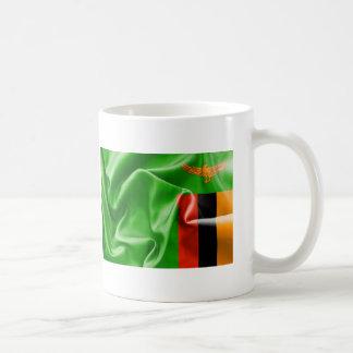 ザンビアの旗のクラシックで白いコーヒー・マグ コーヒーマグカップ