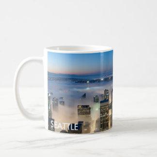 シアトルのスカイラインのコーヒーのマグ コーヒーマグカップ