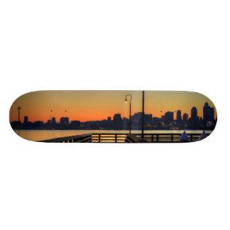 シアトルワシントン州の都心のスカイライン 18.7CM ミニスケートボードデッキ