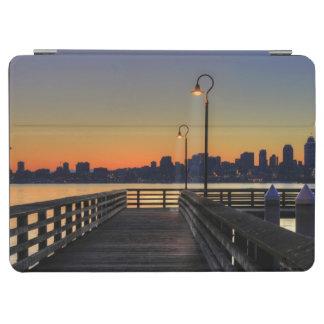 シアトルワシントン州の都心のスカイライン iPad AIR カバー