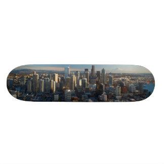 シアトル都市スカイラインの空中写真 スケボーデッキ