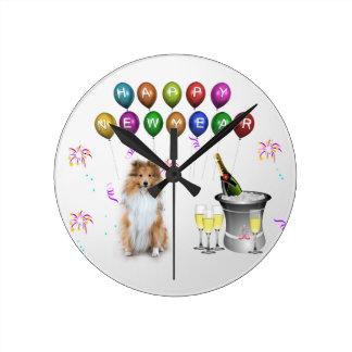 シェットランド・シープドッグ犬の明けましておめでとう ラウンド壁時計
