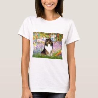 シェットランド・シープドッグ14 -庭 Tシャツ