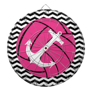 シェブロンのジグザグ形のピンクのバレーボール及びいかりのダート盤 ダーツボード