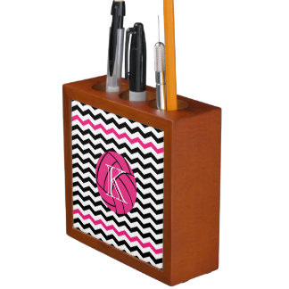 シェブロンのピンクのバレーボールのモノグラムの机のオルガナイザー ペンスタンド