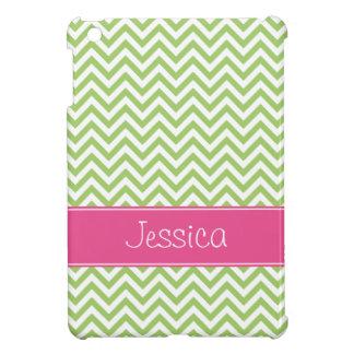 シェブロンの緑のシックなピンクの名前入り iPad MINIカバー