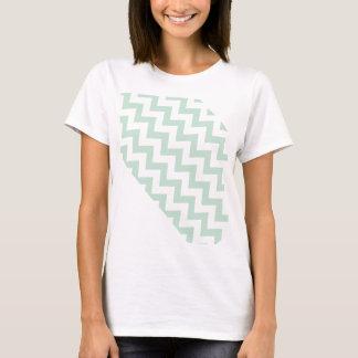 シェブロンの薄緑の対角線 Tシャツ